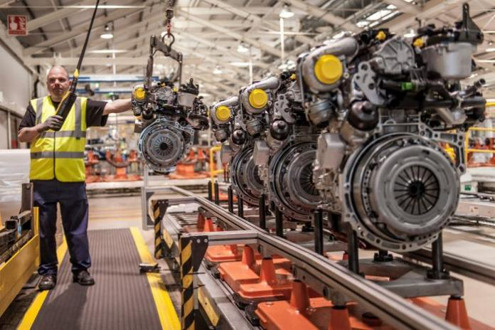 fords-most-fuel-efficient-engines-1.6-litre-tdcis-coming-off-the-line-at-ford-dagenham