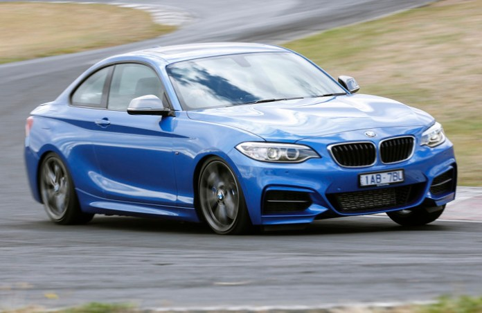 2014_bmw_m235i_track_review_06_1-0301