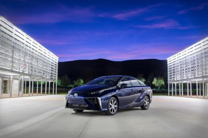 2015-Toyota-Mirai-5