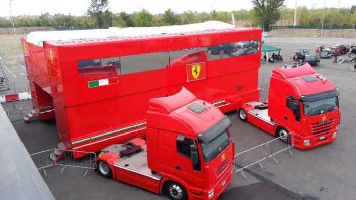 Ferrari F1 Race Trailer for sale (1)