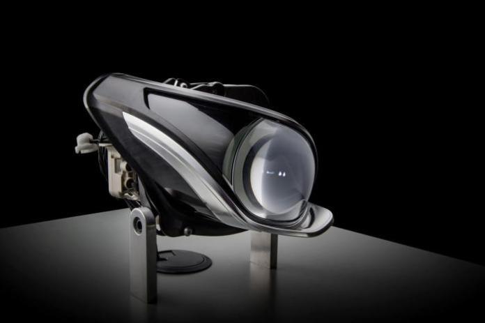Next-generation Mercedes LED headlights (1)