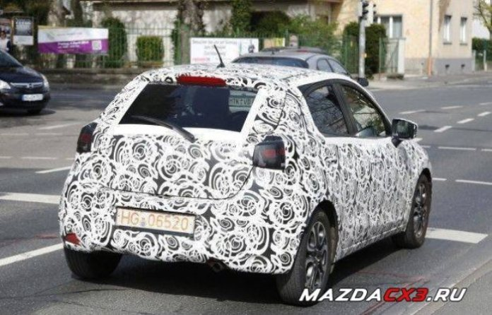 mazda-cx-3-crossover-spyshots-show-sports-exhaust_1