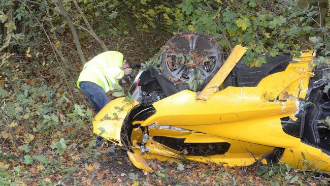 mclaren-mp4-12c-crash-3