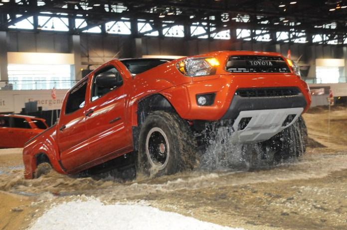 2015-toyota-tacoma-trd-pro-series-front