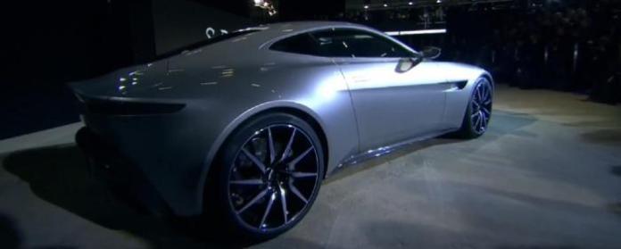 Aston Martin DB10 (2)