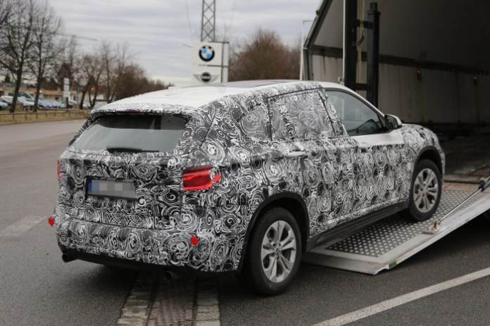 BMW X1 2016 spy photos (7)