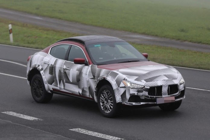 Maserati-Levante-2016-mule-spy-photos-2