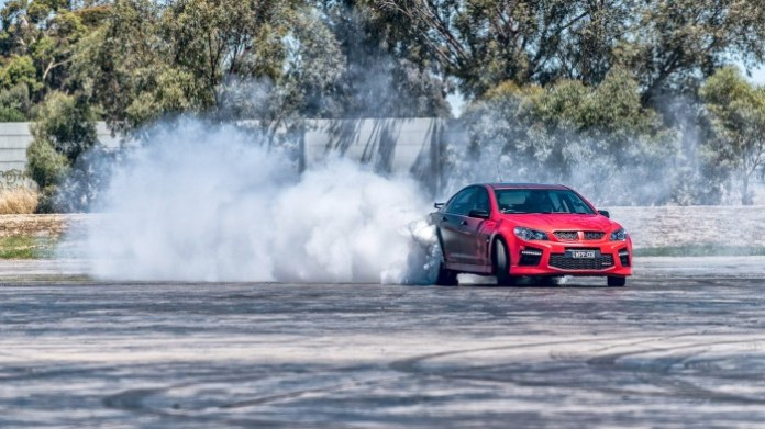 hsv-gts-walkinshaw-performance-w507-churns-out-680-horsepower-video-photo-gallery_8
