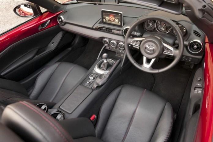 2016 Mazda MX-5 (3)