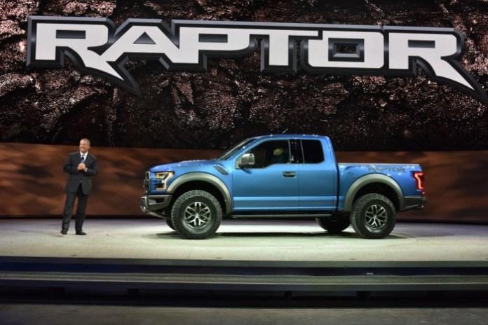 Ford-F-150-Raptor-2017-1