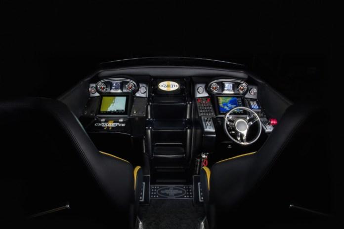 Mercedes-AMG GT S und Cigarette 50 Marauder/ Mercedes-AMG GT S and Cigarette 50 Marauder