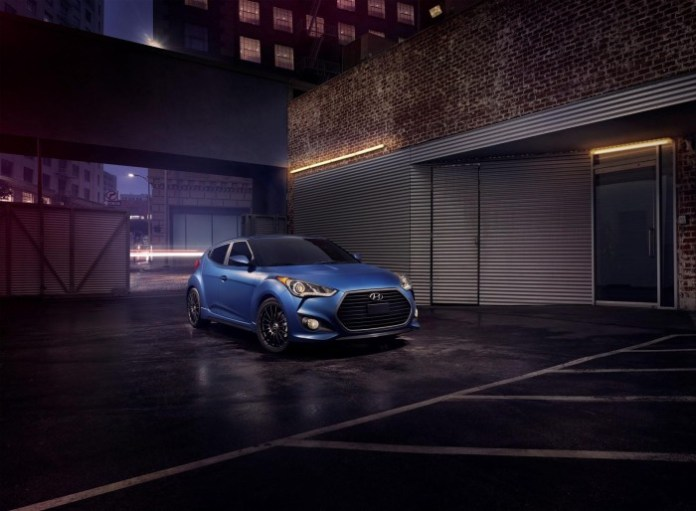 2016_Hyundai_Veloster_Rally_Edition01