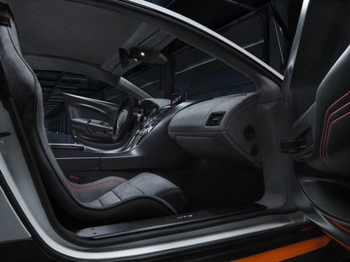 Aston Martin Vantage GT3 15