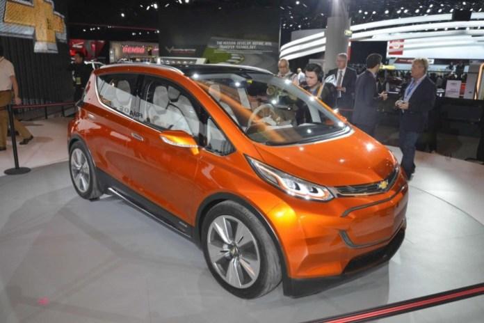 Chevrolet-Bolt-Concept-Live-6