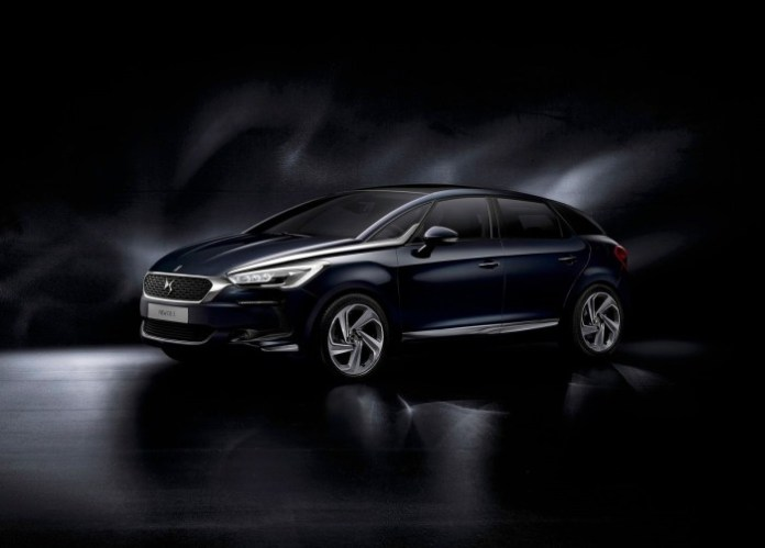 Citroen-DS5_2016_1600x1200_wallpaper_01