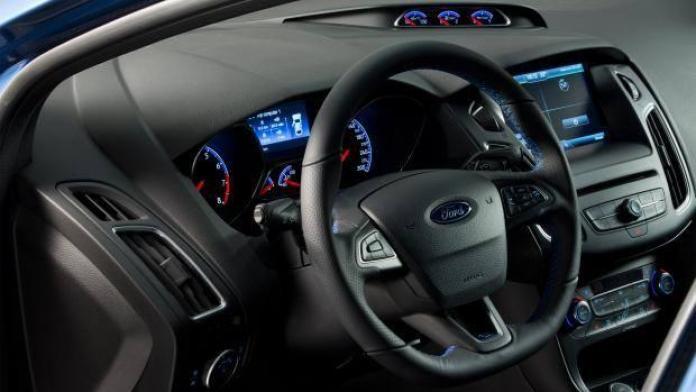 Ford Focus RS leak 2