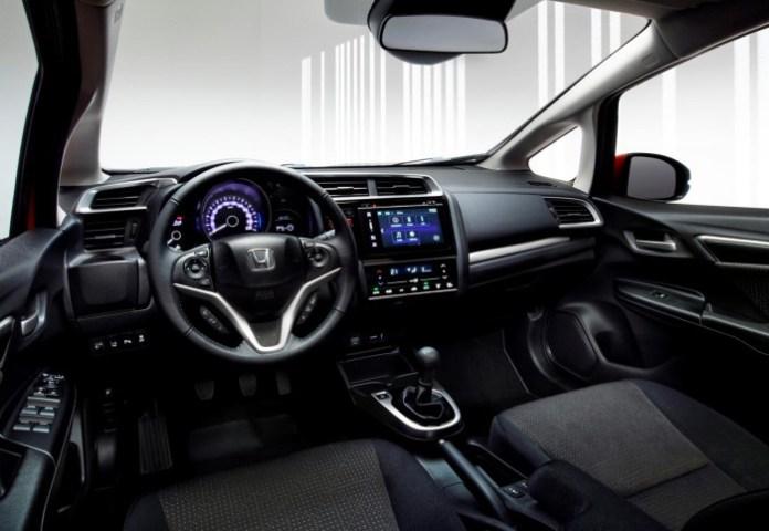 Honda Jazz 2015 (3)