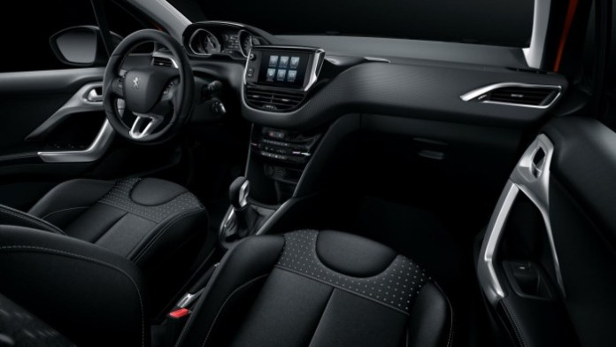 Peugeot 208 facelift 15