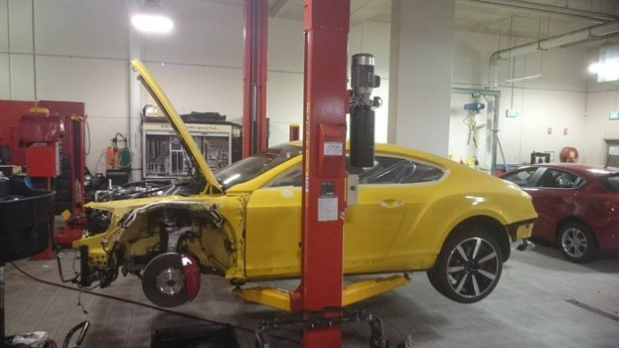 top-gear-seriously-damaged-the-yellow-bentley-gt-v8-s-in-australia_5