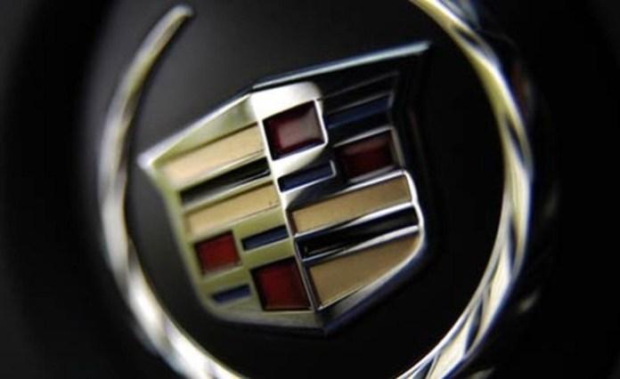 2006-cadillac-dts-steering-wheel-badge-photo-39797-s-1280x782