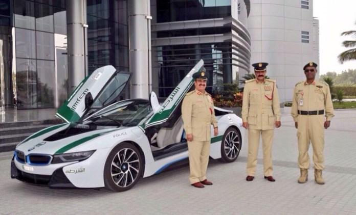 BMW i8 Dubai Police (1)