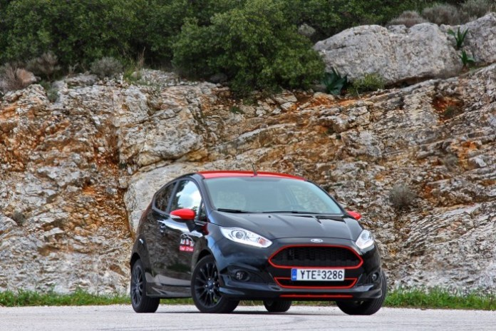 Test_Drive_Ford_Fiesta_Black_Edition02
