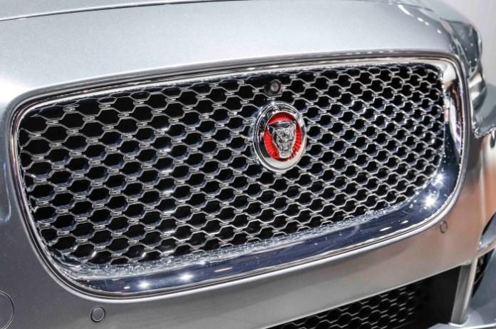 2016-jaguar-xe-grille