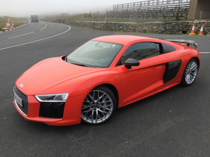 Audi R8 V10 Plus and Ducati 1299 Panigale S