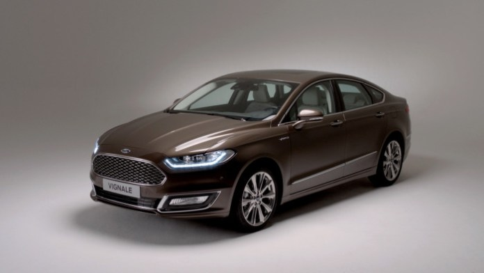 Ford Vignale Mondeo 2015 (1)