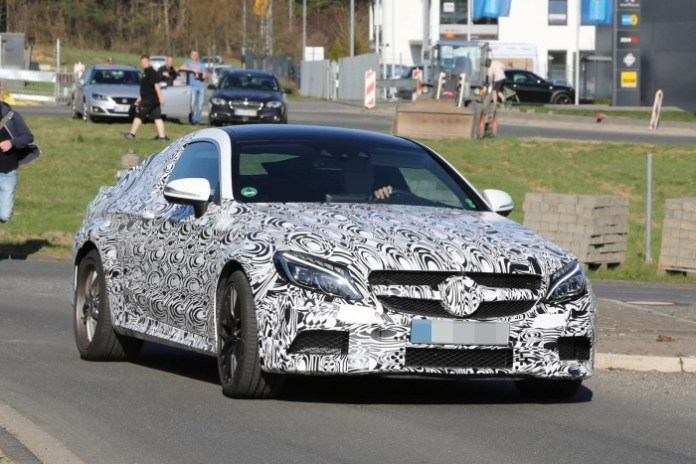 Mercedes C63 AMG Coupe spy photos (1)