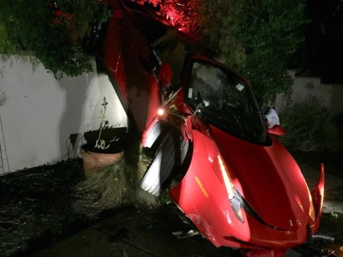 Ferrari 458 Spider crash (1)
