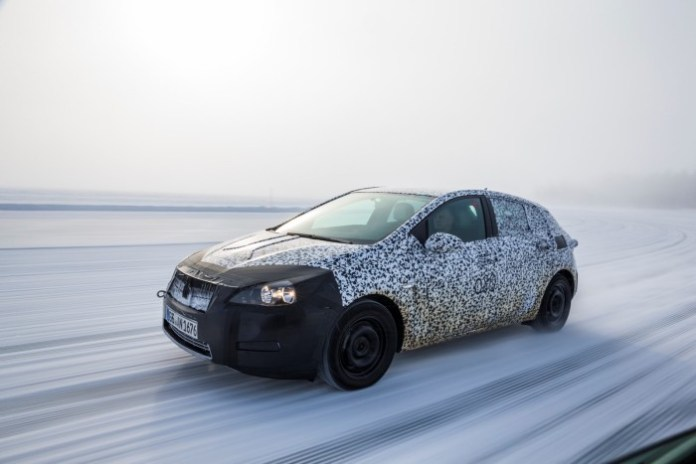 Opel-Astra-Camouflage-295035