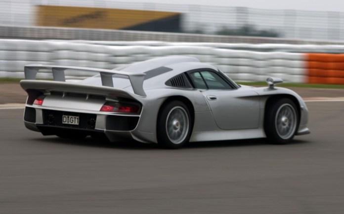 Porsche 911 GT1 Strassenversio (2)