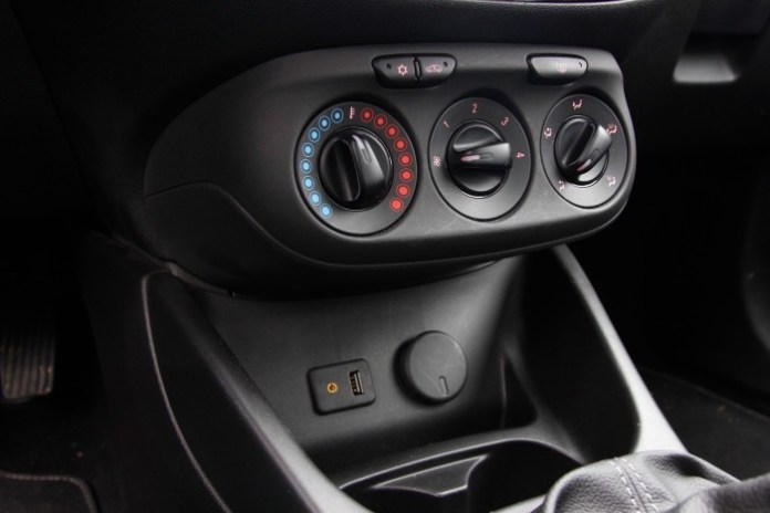 Test_Drive_Opel_Corsa_Color_Edition51