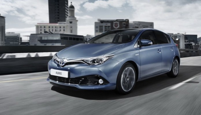 Toyota Auris facelift 2015 (1)