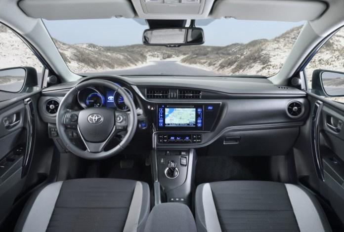 Toyota Auris facelift 2015 (34)