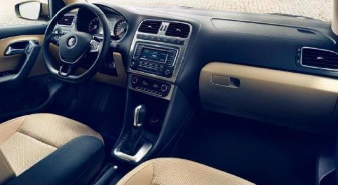 Volkswagen_Polo_Sedan_facelift_04