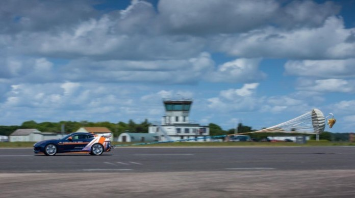 Jaguar F-TYPE R Coupe Bloodhound SSC parachute test (2)