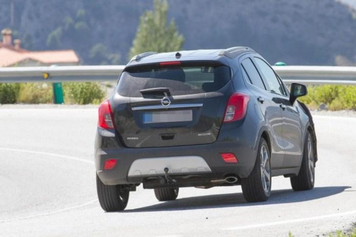 Opel Mokka Facelift spy (3)