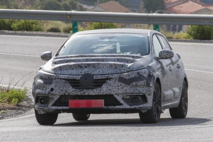 Renault Megane 2016 spy photos (4)