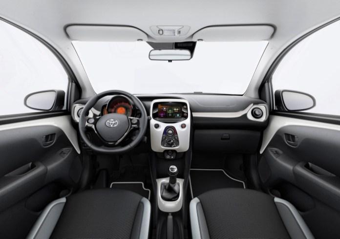 Toyota Aygo X-Pure (2)