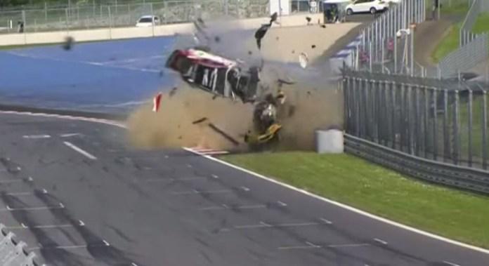 gt4 crash