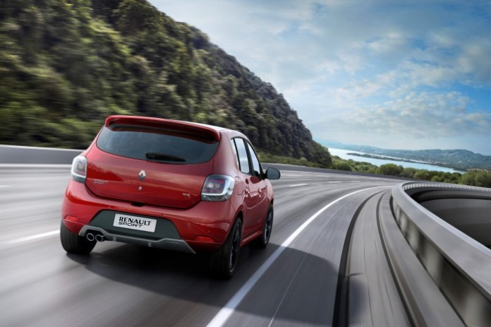 renault-sandero-rs-20-revealed-in-brazil-with-145-hp-of-awesome-video-photo-gallery_7