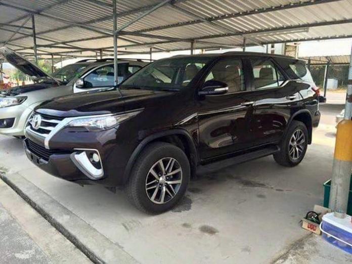 2016-Toyota-Fortuner-1