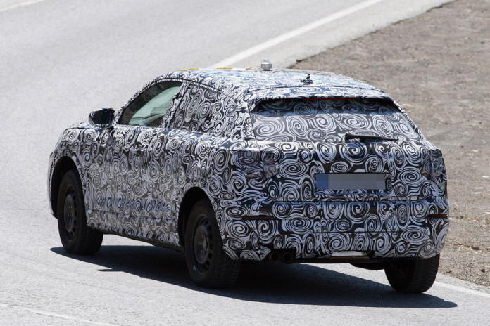 Audi Q1 2017 spy photos (7)