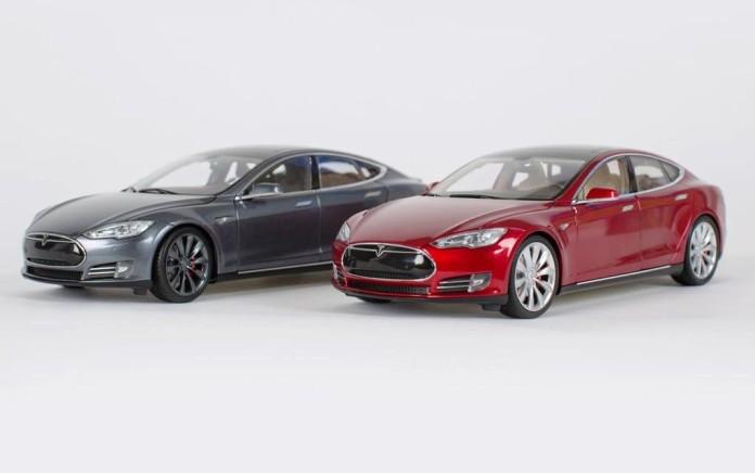 Tesla Model S scale model (1)