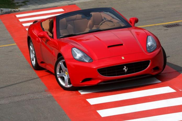 beautiful-Ferrari-California-with-manual-gearbox-transmission