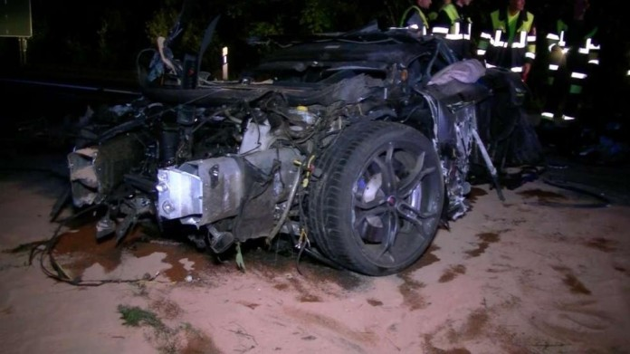 mclaren mp4-12c crash (1)