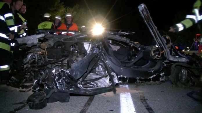 mclaren mp4-12c crash (2)
