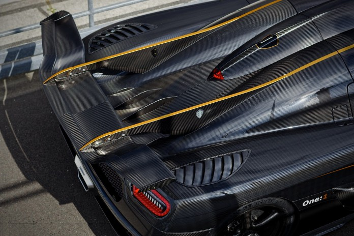 8-carbon-fiber-koenigsegg-one-1-goodwood-fos-rear-wing